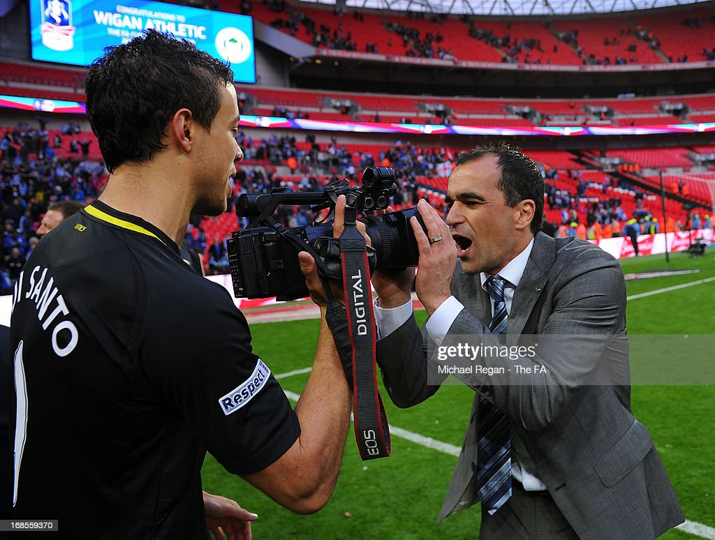 <a gi-track='captionPersonalityLinkClicked' href=/galleries/search?phrase=Jordi+Gomez&family=editorial&specificpeople=1323748 ng-click='$event.stopPropagation()'>Jordi Gomez</a> and Wigan Athletic manager Roberto Martinez celebrates after victory in the FA Cup with Budweiser Final match between Manchester City and Wigan Athletic at Wembley Stadium on May 11, 2013 in London, England.