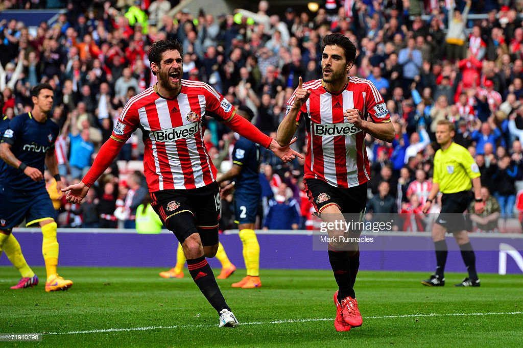 Jordi Gomez (R) of Sunderland celebrates scoring his penalty with Danny Graham during the Barclays Premier League match between Sunderland and Southampton at Stadium of Light on May 2, 2015 in Sunderland, England.