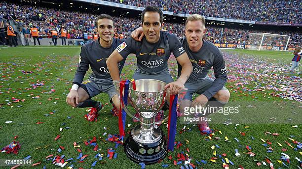Jordi Masip Claudio Bravo and Ter Stegen goalkeepers of FC Barcelona pose with La Liga trophy during the La Liga match between FC Barcelona and RC...