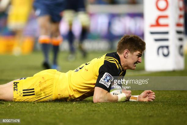 Jordie Barrett of the Hurricanes scores a try during the Super Rugby Quarter Final match between the Brumbies and the Hurricanes at Canberra Stadium...