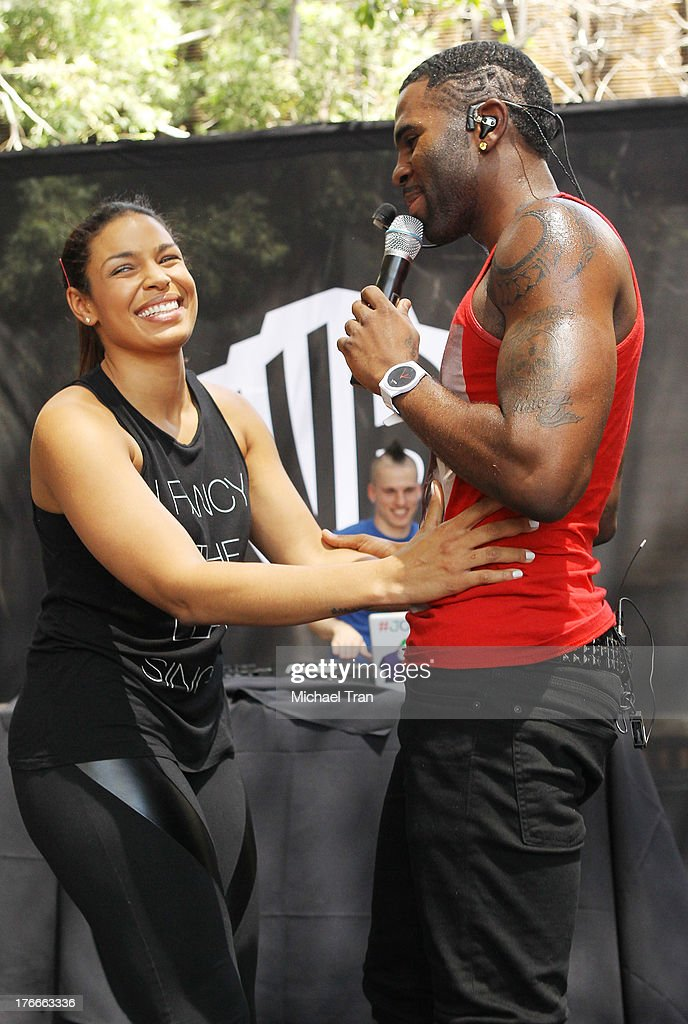 <a gi-track='captionPersonalityLinkClicked' href=/galleries/search?phrase=Jordin+Sparks&family=editorial&specificpeople=4165535 ng-click='$event.stopPropagation()'>Jordin Sparks</a> (L) and <a gi-track='captionPersonalityLinkClicked' href=/galleries/search?phrase=Jason+Derulo&family=editorial&specificpeople=5745869 ng-click='$event.stopPropagation()'>Jason Derulo</a> perform onstage at the Warner Bros. Records Summer Sessions held at Warner Bros. Records outdoor patio on August 16, 2013 in Burbank, California.