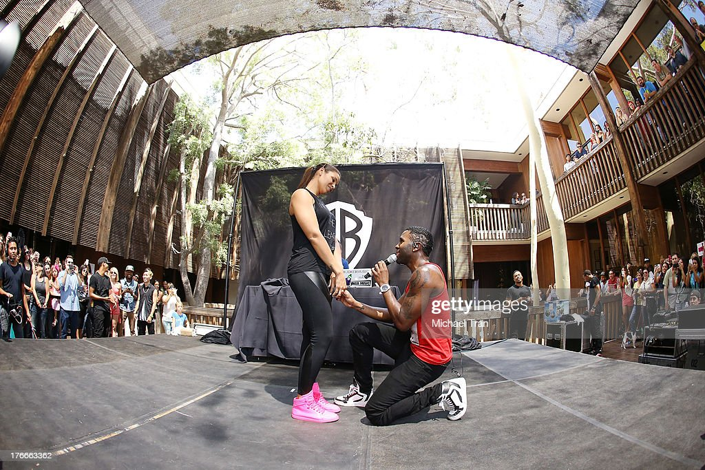 Jordin Sparks (L) and Jason Derulo perform onstage at the Warner Bros. Records Summer Sessions held at Warner Bros. Records outdoor patio on August 16, 2013 in Burbank, California.