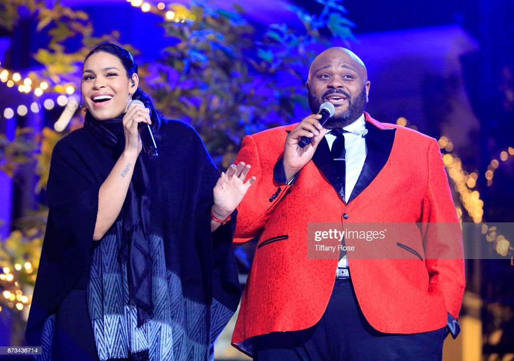 Jordin Sparks and Ruben Studdard perform onstage at A California Christmas at the Grove Presented by Citi on November 12, 2017 in Los Angeles, California.