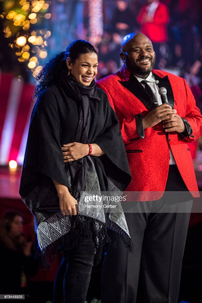 Jordin Sparks and Ruben Studdard perform the California Christmas at The Grove on November 12, 2017 in Los Angeles, California.
