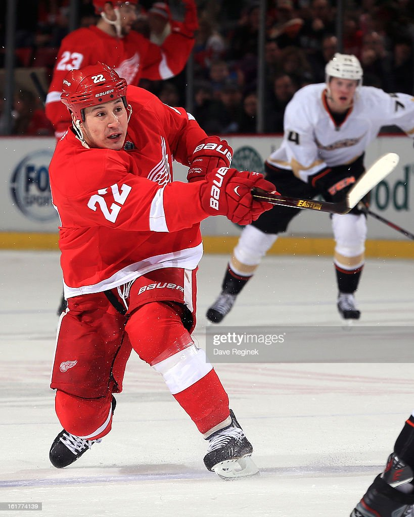 <a gi-track='captionPersonalityLinkClicked' href=/galleries/search?phrase=Jordin+Tootoo&family=editorial&specificpeople=203013 ng-click='$event.stopPropagation()'>Jordin Tootoo</a> #22 of the Detroit Red Wings shoots the puck during a game against the Anaheim Ducks and on February 15, 2013 at Joe Louis Arena in Detroit, Michigan.