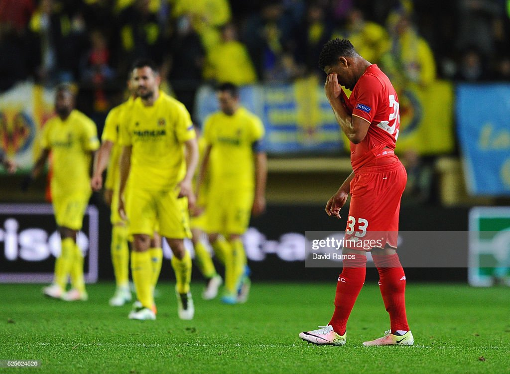 Jordon Ibe of Liverpool looks dejected as Adrian Lopez of Villarreal scores their first goal during the UEFA Europa League semi final first leg match between Villarreal CF and Liverpool at Estadio El Madrigal on April 28, 2016 in Villarreal, Spain.