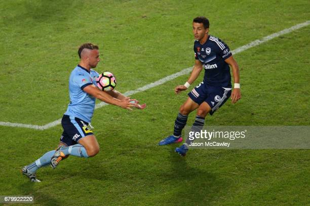 Jordy Buijs of Sydney controls the ball during the 2017 ALeague Grand Final match between Sydney FC and the Melbourne Victory at Allianz Stadium on...