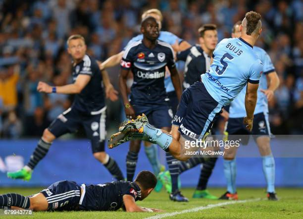 Jordy Buijs of Sydney dives during the 2017 ALeague Grand Final match between Sydney FC and the Melbourne Victory at Allianz Stadium on May 7 2017 in...