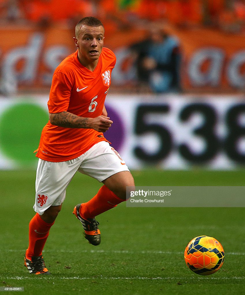 <a gi-track='captionPersonalityLinkClicked' href=/galleries/search?phrase=Jordy+Clasie&family=editorial&specificpeople=7012011 ng-click='$event.stopPropagation()'>Jordy Clasie</a> of Holland attacks during the International Friendly match between The Netherlands and Ecuador at The Amsterdam Arena on May 17, 2014 in Amsterdam, Netherlands.
