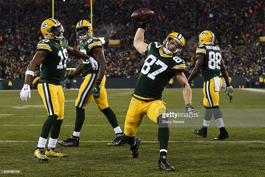 Jordy Nelson #87 of the Green Bay Packers celebrates a touchdown during the second quarter of a game against the Seattle Seahawks at Lambeau Field on December 11, 2016 in Green Bay, Wisconsin.