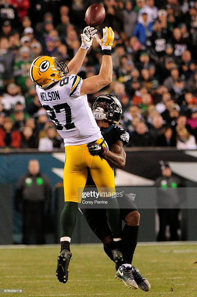 Jordy Nelson #87 of the Green Bay Packers hauls in a reception as Jalen Mills #31 of the Philadelphia Eagles can't break up the pass in the second half at Lincoln Financial Field on November 28, 2016 in Philadelphia, Pennsylvania. Green Bay won 27-13.