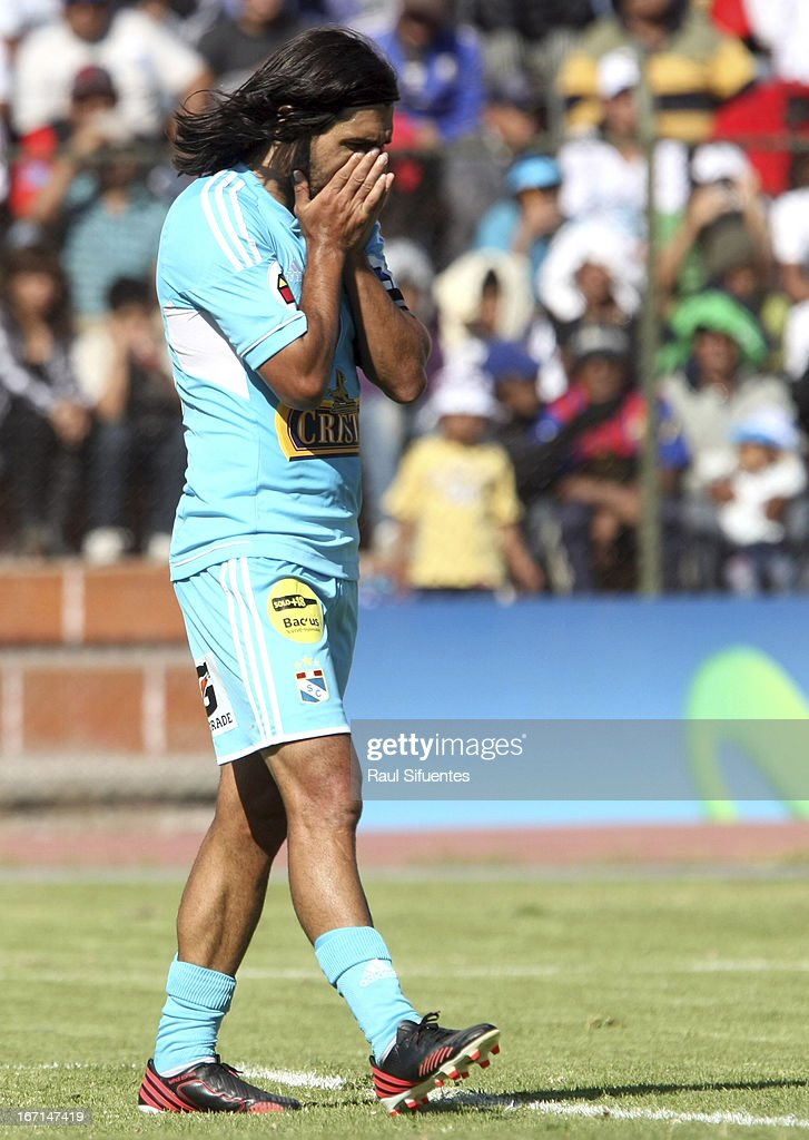 Jorge Cazulo of Sporting Cristal reacts during a match between Sporting Cristal and Melgar FC as part of the Torneo Descentralizado 2013 at the Mariano Melgar Stadium on April 21, 2013 in Arequipa, Peru.