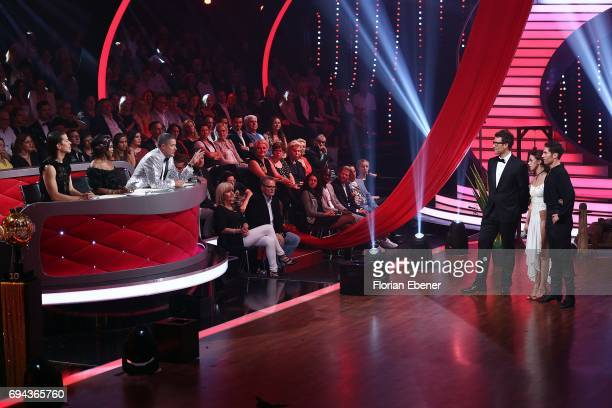 Jorge Gonzalez Motsi Mabuse Joachim Llambi and Daniel Hartwich Vanessa Mai and Christian Polanc perform on stage during the final show of the tenth...