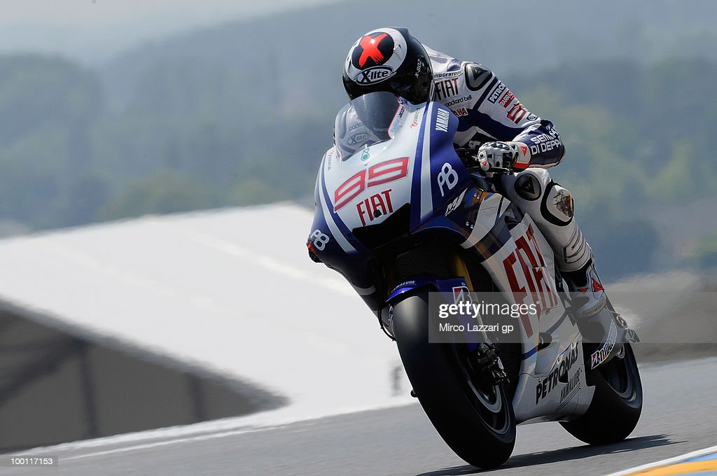 Jorge Lorenzo of Spain and Fiat Yamaha Team heads down a straight during the first free practice of the MotoGP French Grand Prix in Le Mans Circuit on May 21, 2010 in Le Mans, France.