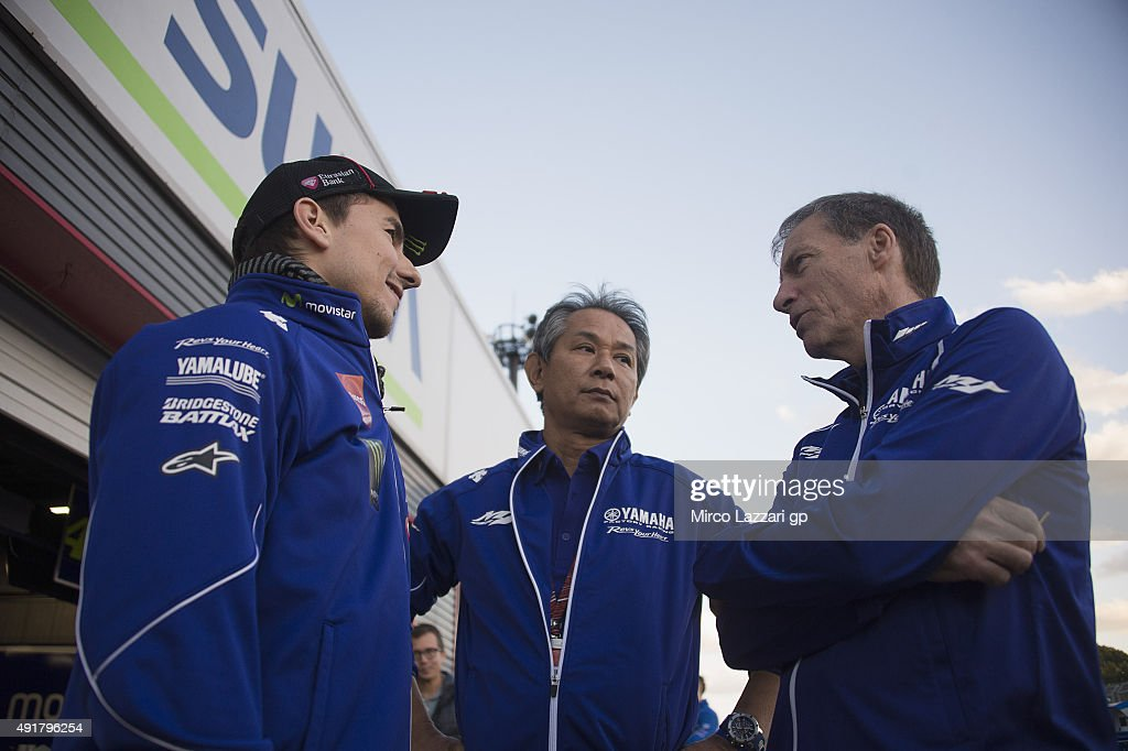 <a gi-track='captionPersonalityLinkClicked' href=/galleries/search?phrase=Jorge+Lorenzo&family=editorial&specificpeople=543869 ng-click='$event.stopPropagation()'>Jorge Lorenzo</a> (L) of Spain and Movistar Yamaha MotoGP speaks with <a gi-track='captionPersonalityLinkClicked' href=/galleries/search?phrase=Lin+Jarvis&family=editorial&specificpeople=6489029 ng-click='$event.stopPropagation()'>Lin Jarvis</a> of Britain and Yamaha Factory Team and (center) during the MotoGP Of Japan - Previews at Twin Ring Motegi on October 8, 2015 in Motegi, Japan.