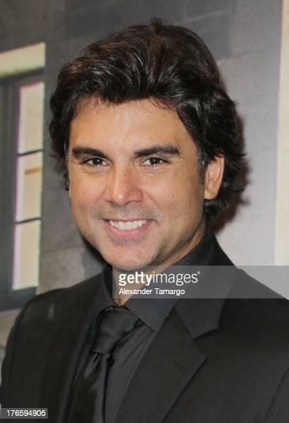 ... Jorge <b>Luis Pila</b> poses backstage at Telemundo's Premios Tu Mundo Awards ... - jorge-luis-pila-poses-backstage-at-telemundos-premios-tu-mundo-awards-picture-id176594905?s=594x594