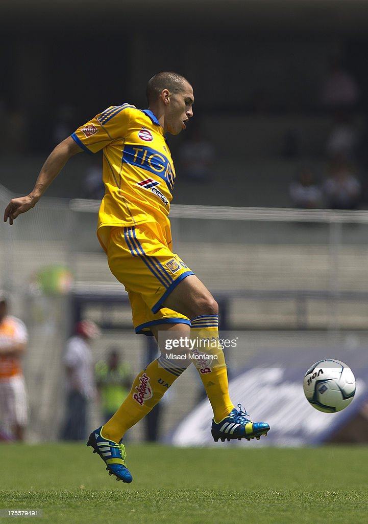 Jorge Nilo of Tigres during a match between Pumas and Tigres as part of Torneo Apertura of Liga MX 2013 ar Olympic Stadium on August 04, 2013 in Mexico City, Mexico.