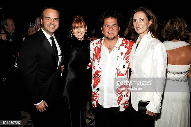 Jorge Plasencia Nicole Miller Romero Britto and Frances SevillaSacasa attend EL MUSEO's 15th Annual Gala at Cipriani 42nd Street on May 22 2008 in...