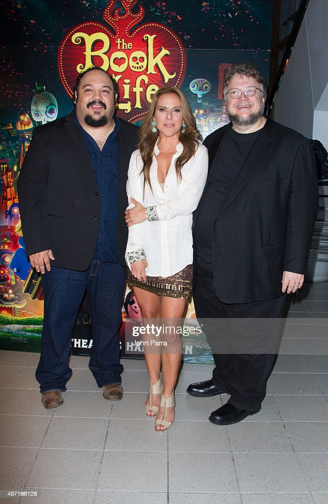 Jorge RGutierrezKate del Castillo and Guillermo del Toro attend The Book Of Life red carpet screening at Regal South Beach on October 13 2014 in...