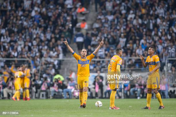 Jorge Torres of Tigres celebrates after teammate Eduado Vargas score the first goal of his team during the second leg of the Torneo Apertura 2017...