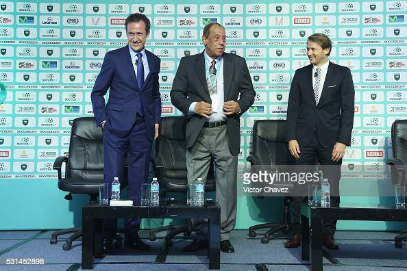 Jorge Valdano former brazilian football player Carlos Alberto Torres and former football player Gaizka Mendieta attend a press conference during the...