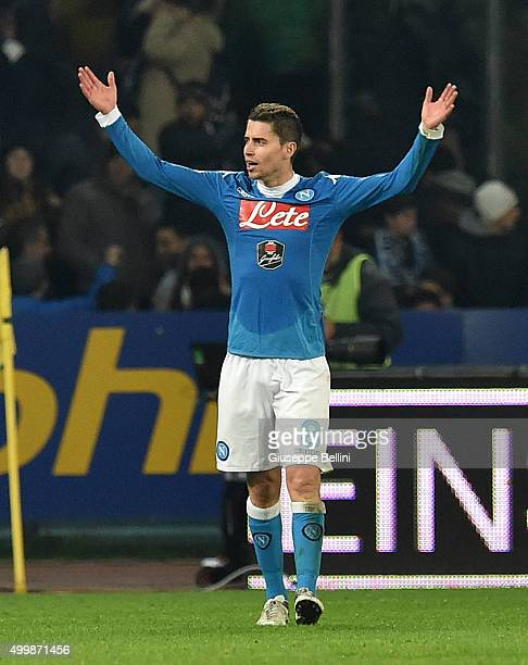 Jorginho of SSC Napoli celebrates the victory after the Serie A match between SSC Napoli and FC Internazionale Milano at Stadio San Paolo on November...