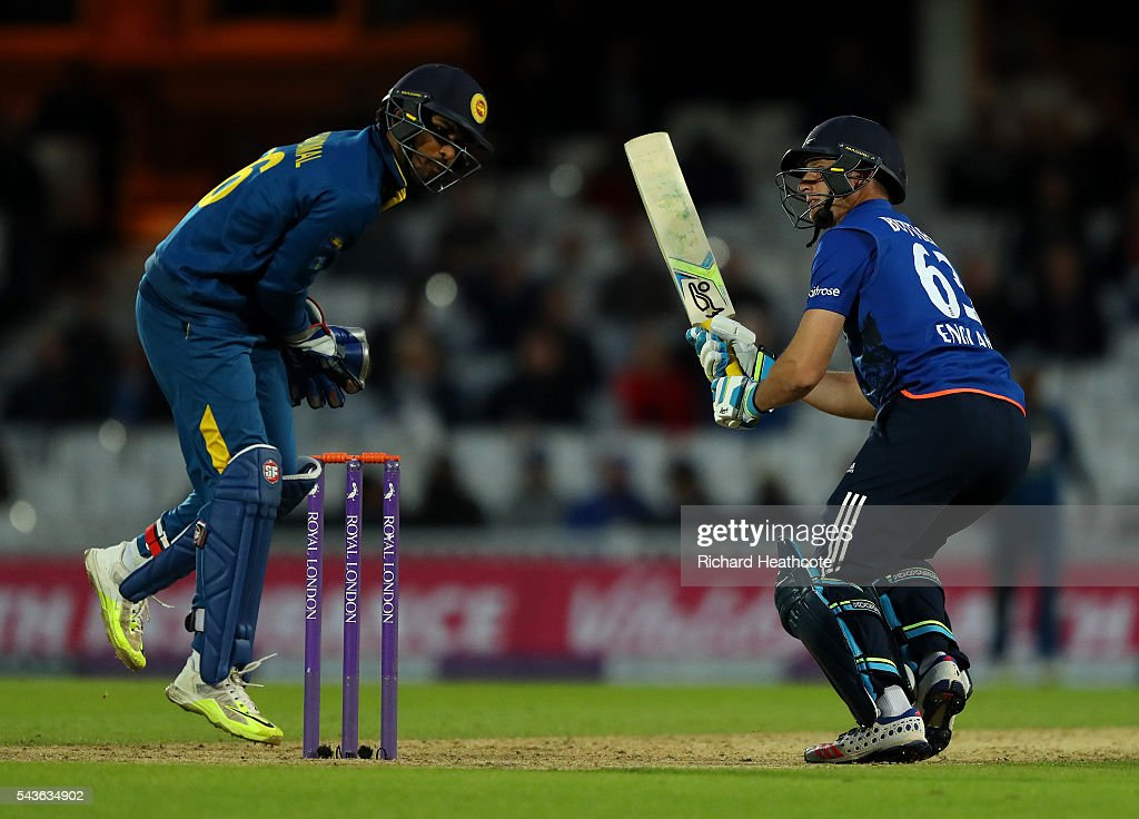 <a gi-track='captionPersonalityLinkClicked' href=/galleries/search?phrase=Jos+Buttler&family=editorial&specificpeople=5788479 ng-click='$event.stopPropagation()'>Jos Buttler</a> of England flips the ball over the wicket keeper during the 4th Royal London ODI between England and Sri Lanka at The Kia Oval on June 29, 2016 in London, England.