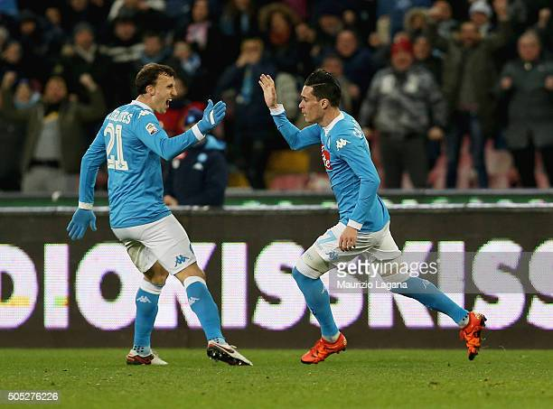 Josè Maria Callejon of Napoli celebrates after scoring the equalizing goal during the Serie A match between SSC Napoli and US Sassuolo Calcio at...
