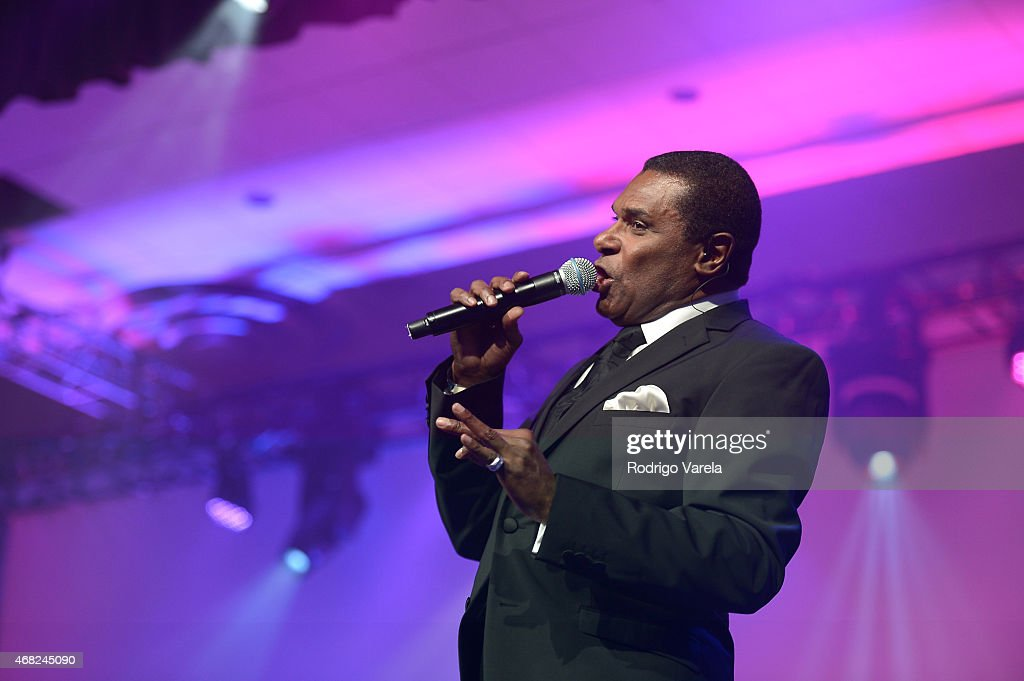 Jose Alberto performs onstage at BMI's 22nd Annual Latin Music Awards at Fountainbleau Miami Beach on March 31, 2015 in Miami Beach, Florida.