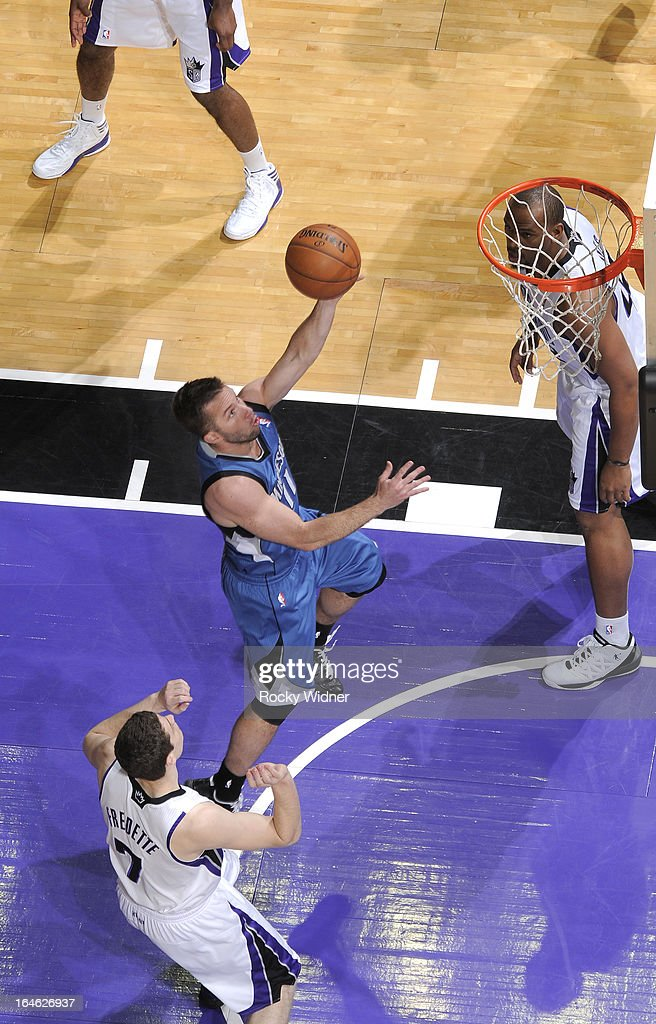 Jose Barea #11 of the Minnesota Timberwolves drives to the basket against the Sacramento Kings on March 21, 2013 at Sleep Train Arena in Sacramento, California.