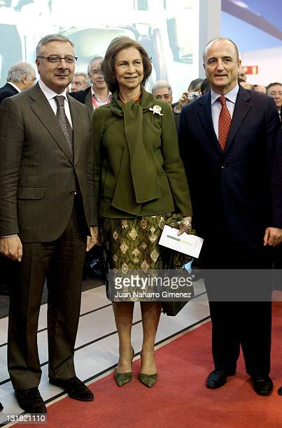 Jose Blanco Queen Sofia of Spain and Miguel Sebastian attend the stand AENA in FITUR at Ifema on January 19 2011 in Madrid Spain