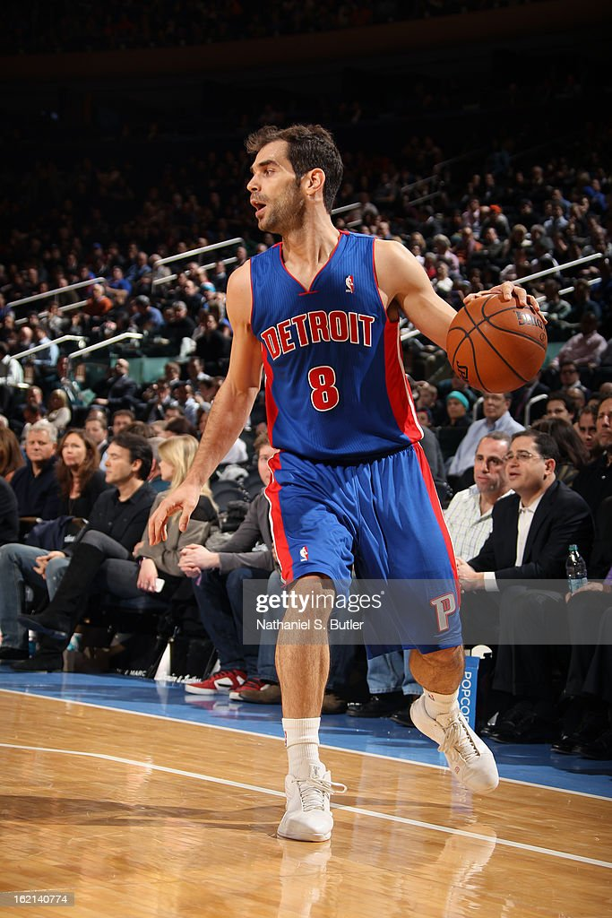 <a gi-track='captionPersonalityLinkClicked' href=/galleries/search?phrase=Jose+Calderon&family=editorial&specificpeople=548297 ng-click='$event.stopPropagation()'>Jose Calderon</a> #8 of the Detroit Pistons looks to drive to the basket against the New York Knicks on February 4, 2013 at Madison Square Garden in New York City.