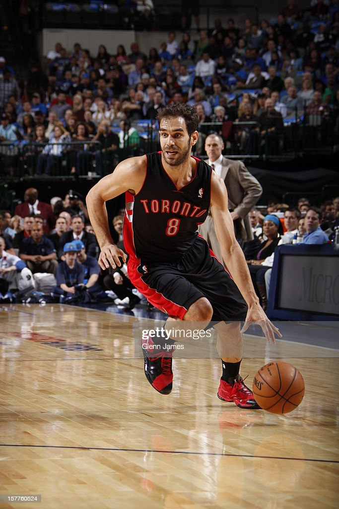 <a gi-track='captionPersonalityLinkClicked' href=/galleries/search?phrase=Jose+Calderon&family=editorial&specificpeople=548297 ng-click='$event.stopPropagation()'>Jose Calderon</a> #8 of the Toronto Raptors dribbles the ball against the Dallas Mavericks on November 7, 2012 at the American Airlines Center in Dallas, Texas.