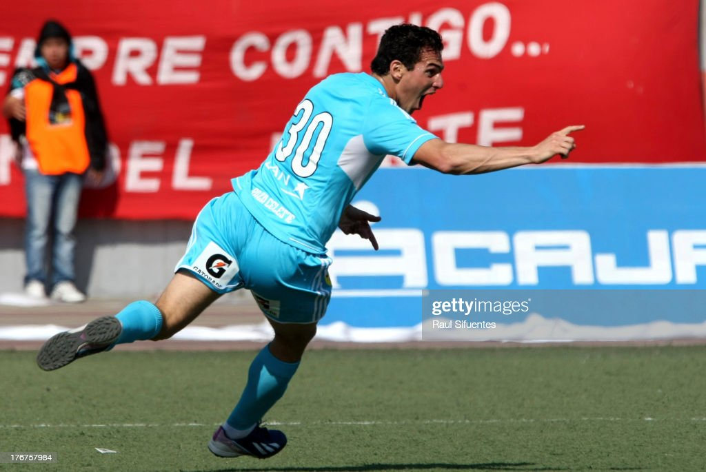 Jose Carlos Fernandez of Sporting Cristal celebrates a goal against Jose Galvez during a match between Jose Galvez and Sporting Cristal as part of The Torneo Descentralizado 2013 at the Estadio Manuel Rivera Sanchez on August 18, 2013 in Chimbote, Peru.