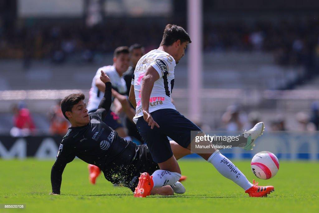 Pumas UNAM v Monterrey - Torneo Apertura 2017 Liga MX