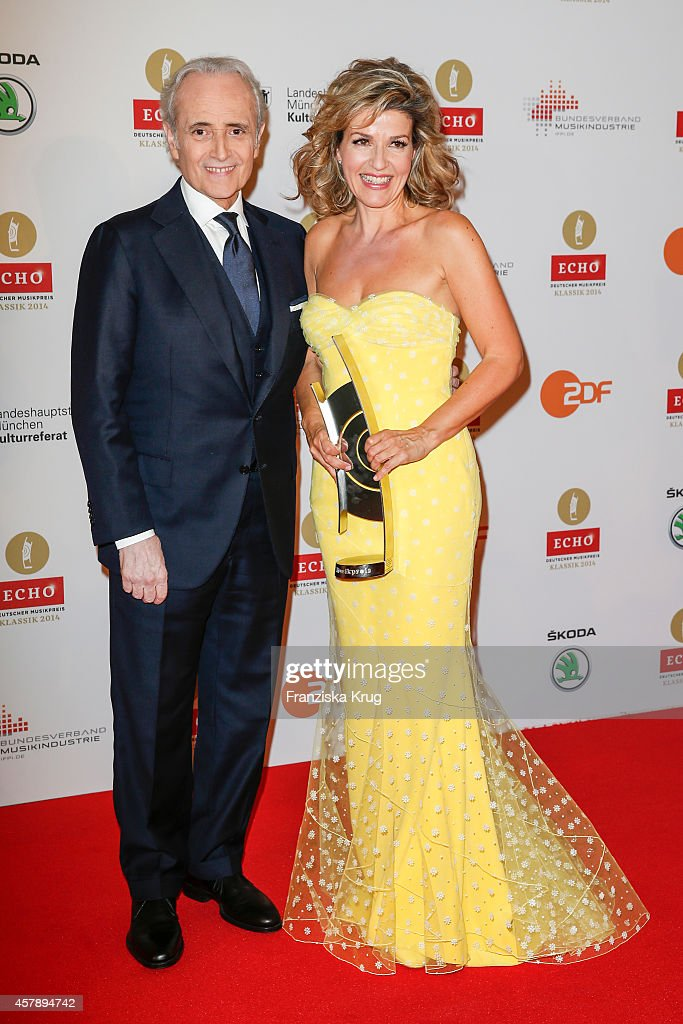 <a gi-track='captionPersonalityLinkClicked' href=/galleries/search?phrase=Jose+Carreras&family=editorial&specificpeople=221646 ng-click='$event.stopPropagation()'>Jose Carreras</a> and <a gi-track='captionPersonalityLinkClicked' href=/galleries/search?phrase=Anne-Sophie+Mutter&family=editorial&specificpeople=784120 ng-click='$event.stopPropagation()'>Anne-Sophie Mutter</a> attend the ECHO Klassik 2014 on October 26, 2014 in Munich, Germany.