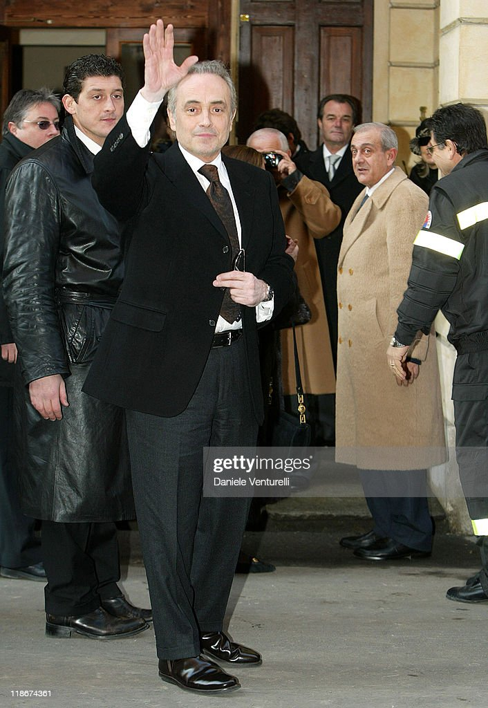 Jose Carreras during Luciano Pavarotti Marries Nicoletta Mantovani at Teatro Comunale in Modena in Modena, Italy.