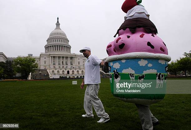 Jose Cerda with Ben and Jerry's Ice Cream at protest against the oil drilling of ANWR by presenting a giant 'Baked Alaska' on West Front lawn of the...