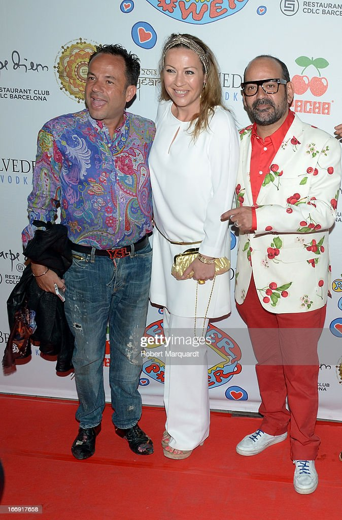 <a gi-track='captionPersonalityLinkClicked' href=/galleries/search?phrase=Jose+Corbacho&family=editorial&specificpeople=789447 ng-click='$event.stopPropagation()'>Jose Corbacho</a> (R) attends the Flower Power Pacha Party 2013 at the Carpe Diem club on April 18, 2013 in Barcelona, Spain.