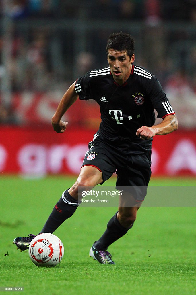 Jose Ernesto Sosa of Bayern Muenchen runs with the ball during the Franz Beckenbauer Farewell match between FC Bayern Muenchen and Real Madrid at...