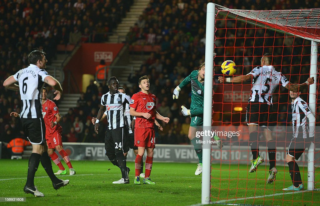 Jose Fonte of Southampton (slightly obscured, far left) watches his header come crashing back off the bar during the Barclays Premier League match between Southampton and Newcastle United at St Mary's Stadium on November 25, 2012 in Southampton, England.
