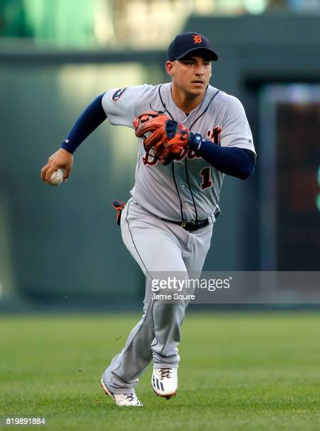 Jose Iglesias of the Detroit Tigers runs the ball into the infoeld aftter a pop up single by Salvador Perez of the Kansas City Royals during the 1st...