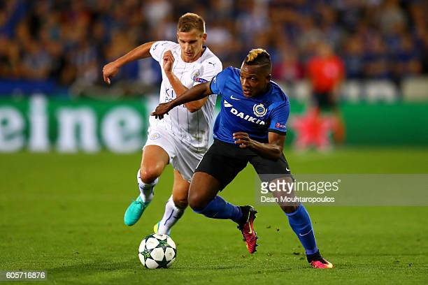 Jose Izquierdo of Club Brugge is chased by Marc Albrighton of Leicester City during the UEFA Champions League match between Club Brugge KV and...