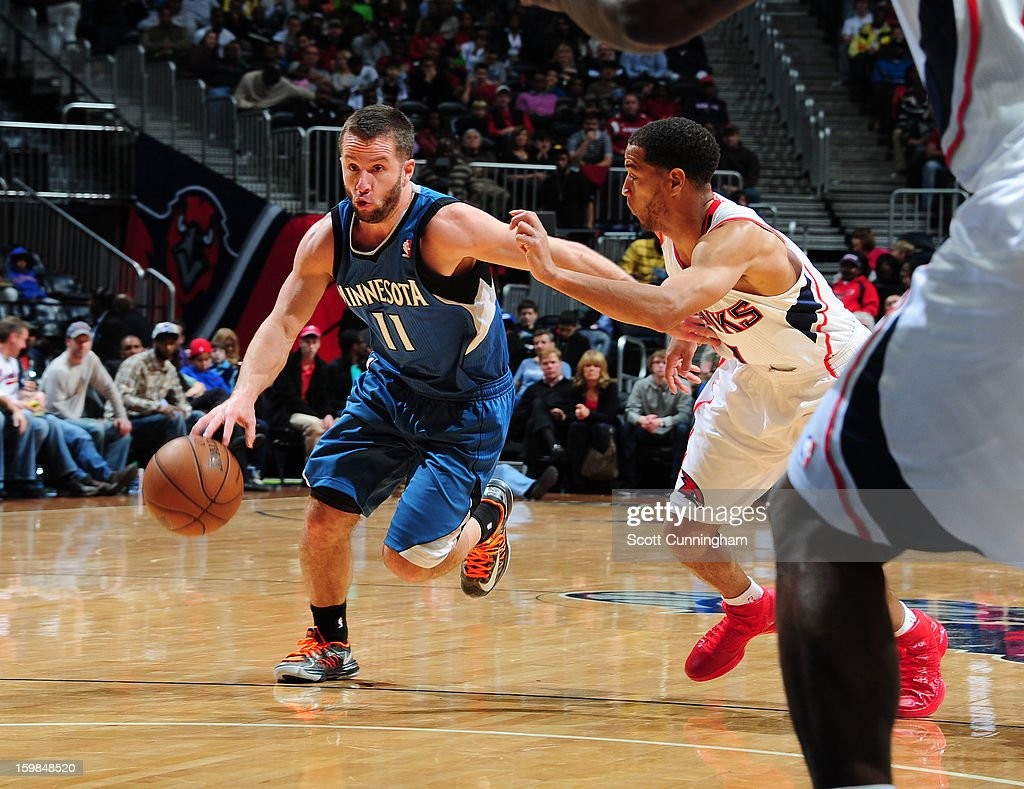 Jose Juan Barea #11 of the Minnesota Timberwolves drives to the basket against the Atlanta Hawks on January 21, 2013 at Philips Arena in Atlanta, Georgia.
