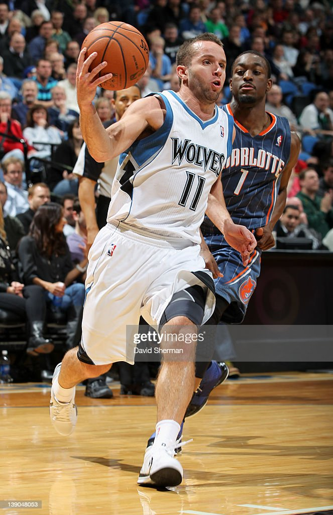 Jose Juan Barea #11 of the Minnesota Timberwolves goes to the basket against <a gi-track='captionPersonalityLinkClicked' href=/galleries/search?phrase=Kemba+Walker&family=editorial&specificpeople=5042442 ng-click='$event.stopPropagation()'>Kemba Walker</a> #1 of the Charlotte Bobcats during the game on February 15, 2012 at Target Center in Minneapolis, Minnesota.