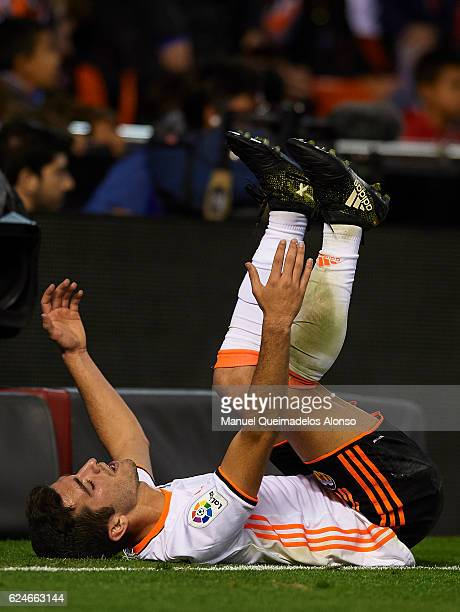 Jose Luis Gaya of Valencia reacts during the La Liga match between Valencia CF and Granada CF at Mestalla Stadium on November 20 2016 in Valencia...