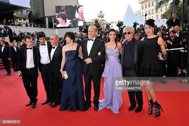 Jose Luis Gomez Blanco Portillo Tamar Novas Ruben Ochandiano Lluis Homar Penelope Cruz Pedro Almodovar and Rosi De Palma attend the premiere of 'Los...