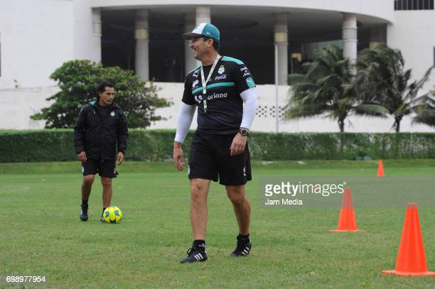 Jose Manuel de la Torre coach of Santos gives instructions to his players during the Pre Season training for the Torneo Apertura 2017 Liga MX at...