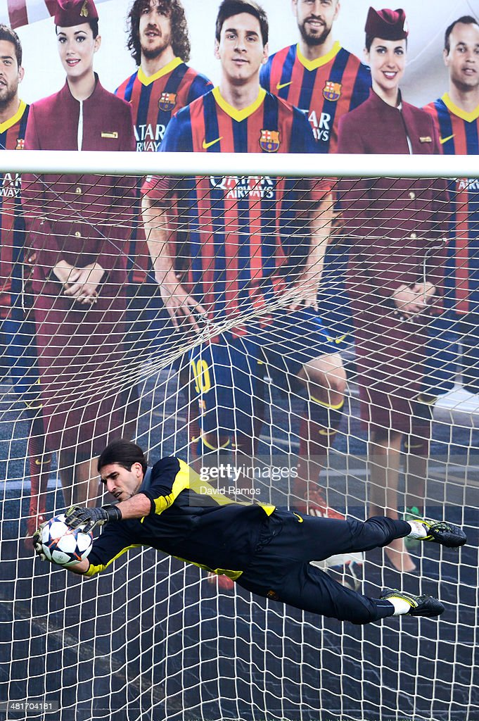 <a gi-track='captionPersonalityLinkClicked' href=/galleries/search?phrase=Jose+Manuel+Pinto&family=editorial&specificpeople=708358 ng-click='$event.stopPropagation()'>Jose Manuel Pinto</a> of FC Barcelona in action during a training session ahead the UEFA Champions League Quarter Final first leg match against Atletico de Madrid at Sant Joan Despi Sport Complex on March 31, 2014 in Barcelona, Spain.