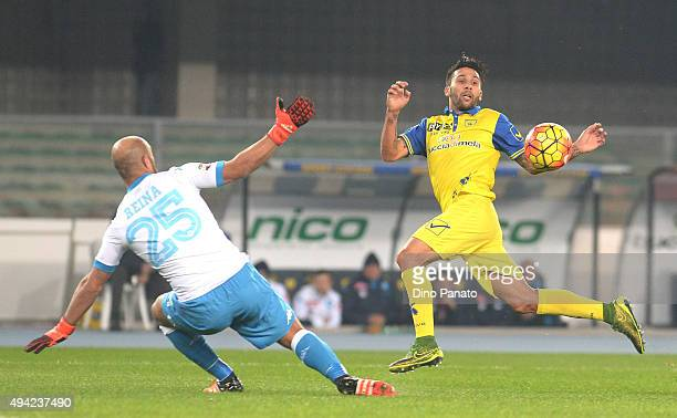 Jose Manuel Reina goalkeeper of SSC Napoli saves a shot from Lucas Nahuel Castro of Chievo Verona during the Serie A match between AC Chievo Verona...